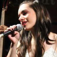 Gabriela Beltramino, cantante de jazz, de Córdoba. (de ciclo Los Lunes, La Voz)