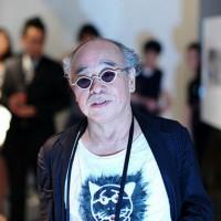 Nobuyoshi Araki, en una de sus innumerables exposiciones en Europa y estados Unidos.