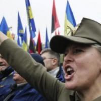 Neonazis en Ucrania buscan matar rusos. El Batallón AZOV es conocido por sus atrocidades.