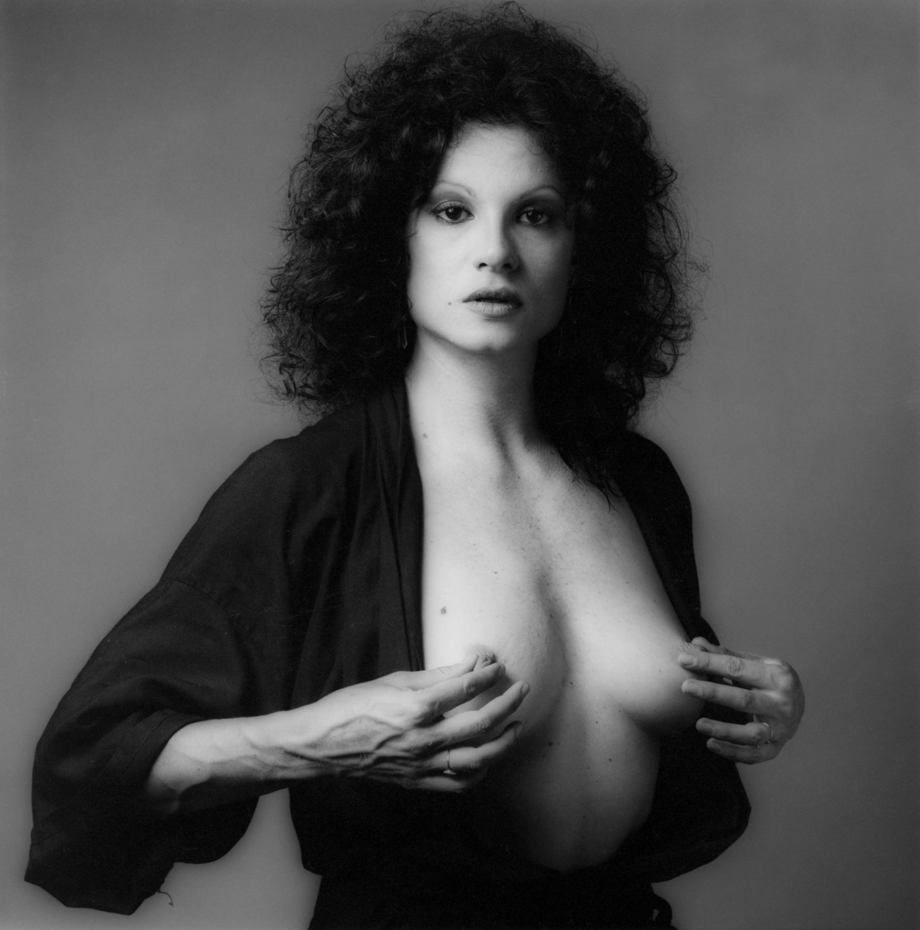 ROBERT MAPPLETHORPE FOTOGRAFIA A LISA LYON (1883)