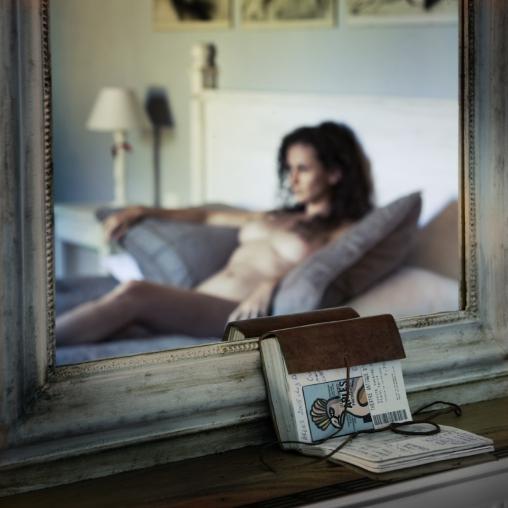 La Galería de Arte ARSTPER subasta en 1.500 libras esta fotografía de TAKALA, perteneciente a su Serie Les Caprices de Madame Bovary. Al cambio en moneda argentina son unos 36.000 pesos.