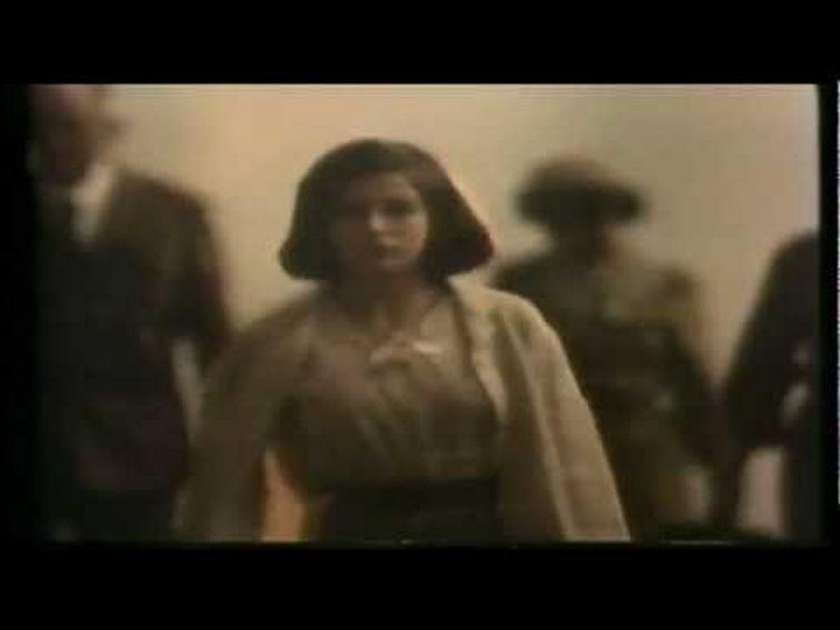 """""""Evita (Quien quiere oir que oiga)"""", película de     Eduardo Mignogna, en 1984. Flavia Palmiero, actriz, debuta en el cine con el papel de Eva Perón del pueblo de Junín a Buenos Aires. En la capital de la provincia de BUENOS AIRES, en el ciclo de cine-arte de La Plata, ciudad capital, este filme fue estrenado con notable éxito y expectativa por quien suscribe, AMILCAR MORETTI."""
