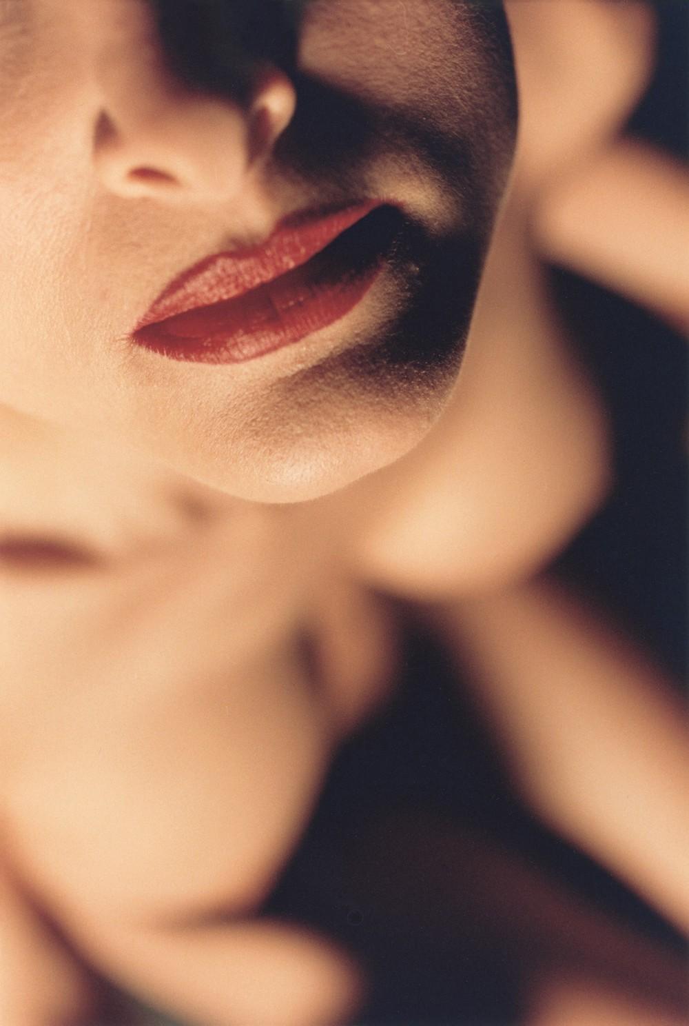 Imagen del gran realizador cinematográfico, pintor y fotógrafo DAVID LYNCH, de su último libro de desnudos femeninos. (Ver sitio web Cultura Inquieta)
