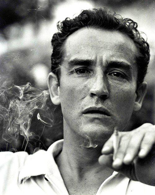EL EXIMIO VITTORIO GASSMAN, IL MATATORE, GRAN DIRECTOR DE TEATRO, GRAN ACTOR. GRAN FUMADOR.