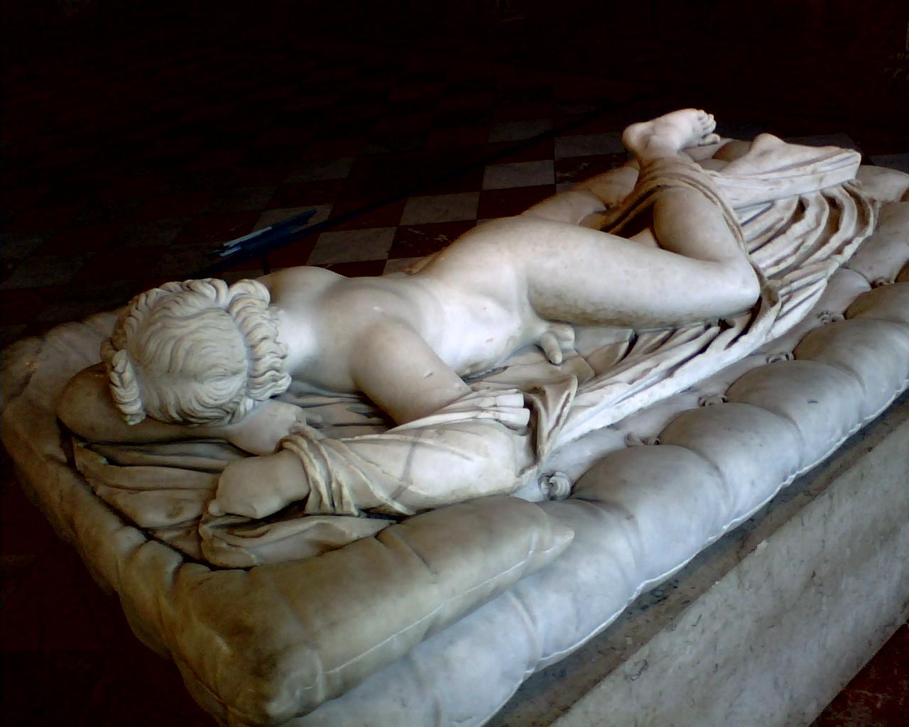 el hermafrodita. la legendaria escultura greco-romana del período clásico.