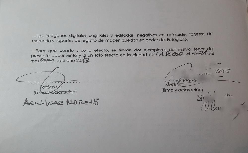 Foto del contrato de la segunda sesión de fotografía de desnudo.