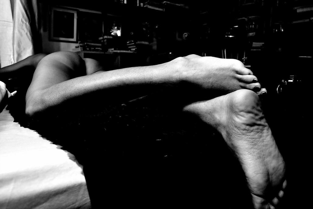 """Imagen compuesta por AMILCAR MORETTI entre el martes 18 y recién comenzado el miércoles 19 de diciembre del 2018. Una versión diferente de esta foto, entre otras anteriores, publicadas previamente o no, fue presentada en Facebook. La misma debió ser """"adecuada"""" a las """"normas"""" impuestas por dicha red, que dicen restringir en lo moral (sexual) pero en verdad también lo hacen en los expresivo-estético. Argentina"""