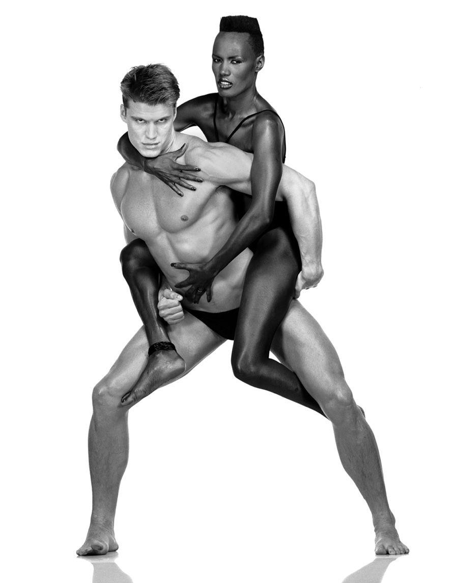 Imagen de ALBERT WATSON, reputado fotógrafo de ESTADOS UNIDOS. Imagen de Grace Jones y Dolph Lundgren (1983)